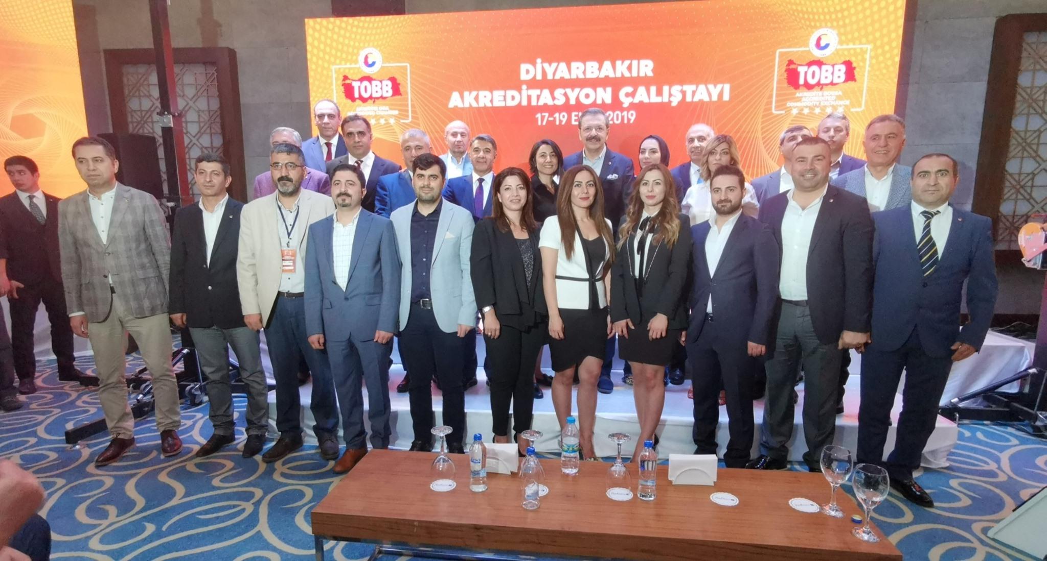 Diyarbakır'da konuşan Hisarcıklıoğlu: Kendimizi dönüştürmek zorundayız