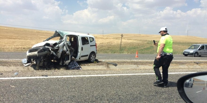 Diyarbakır'da kaza: 2 ölü, 2'si ağır 5 yaralı