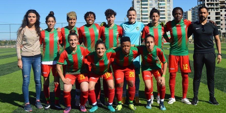 Diyarbakırlı kadın futbolcular lige kötü başladı
