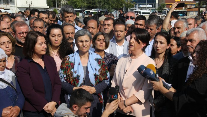 Diyarbakır'da konuşan Buldan: Halk iradesine sahip çıkacak