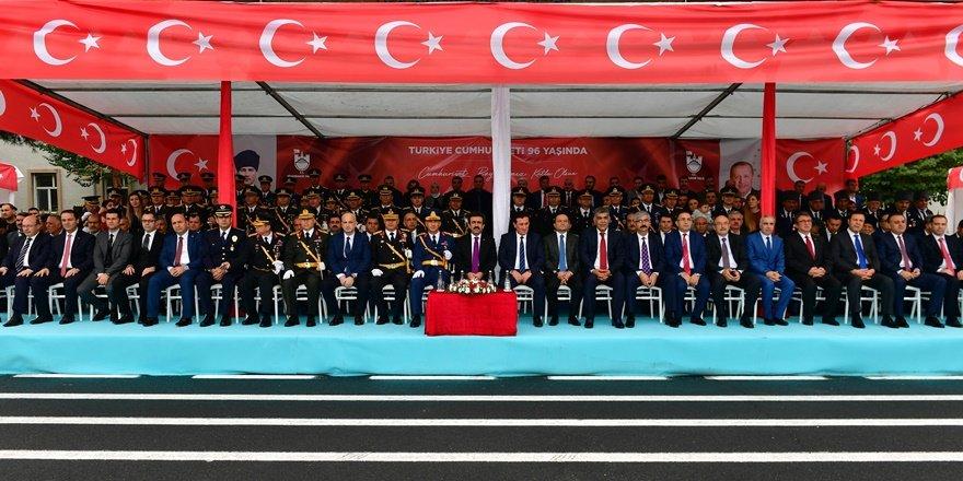 Diyarbakır'da Cumhuriyet Bayramı kutlaması