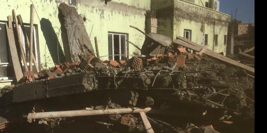Gercüş'te taziye evi çöktü
