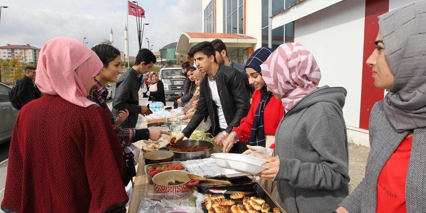 Bitlis'te sokak hayvanları yararına kermes