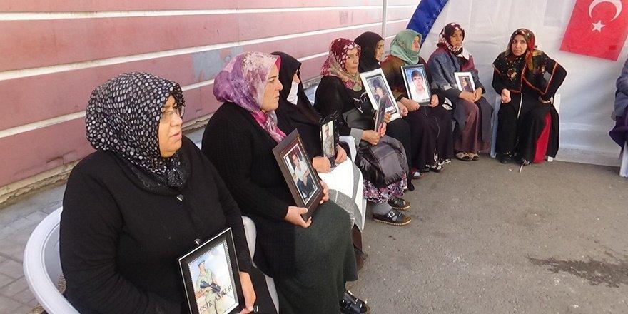 VİDEO - HDP önündeki 'evlat nöbeti'nde 66'ncı gün