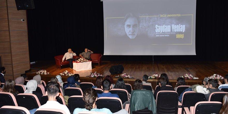 Yönetmen Yeniay üniversite öğrencileri ile buluştu