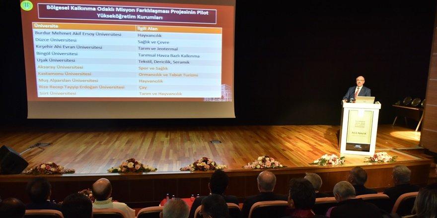 """Dicle Üniversitesi'nde """"akademik yıl"""" açılış töreni"""