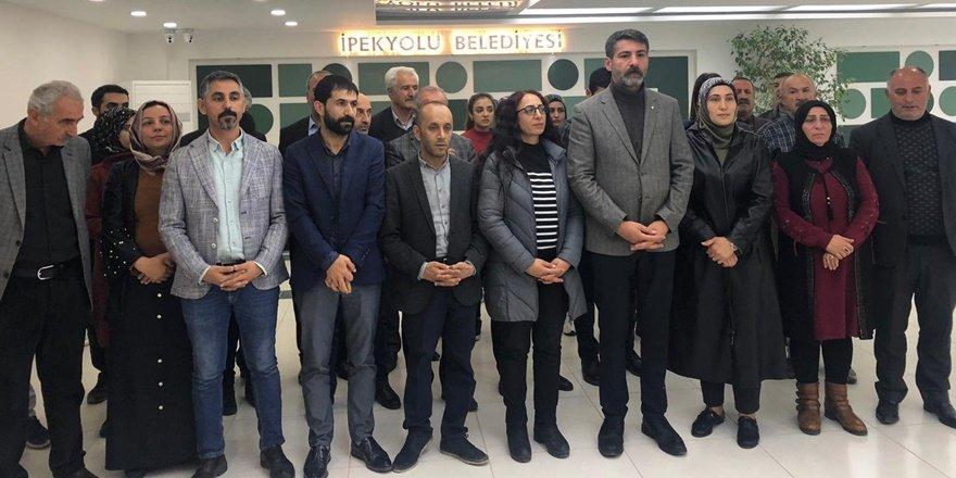 İpekyol Belediyesi'nde HDP'lilerin bekleyişi sürüyor