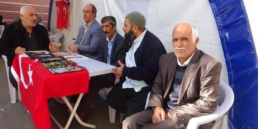 HDP önündeki ailelerin 'evlat nöbeti'nde 68'nci gün
