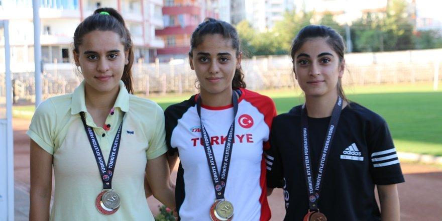 Siirt'in genç yetenekleri, ilk üçü paylaştılar