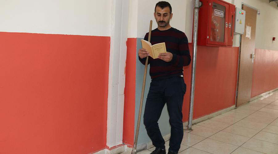 """Diyarbakır'daki bu okullarda herkes """"okuyor"""""""