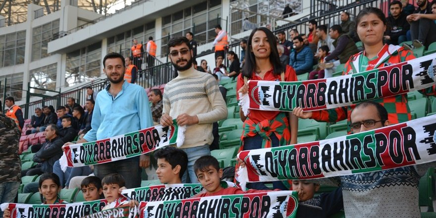 Otizmli çocuklar, Diyarbekirspor - Somaspor maçını izledi