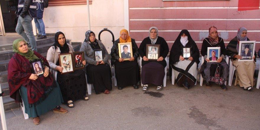 HDP önündeki ailelerin oturma eyleminde 72'nci gün