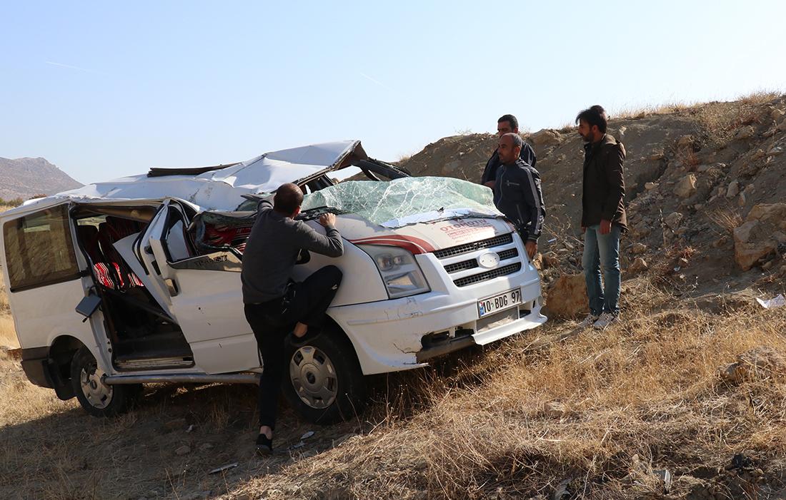 Diyarbakır'da kaza: 1'i ağır 9 yaralı