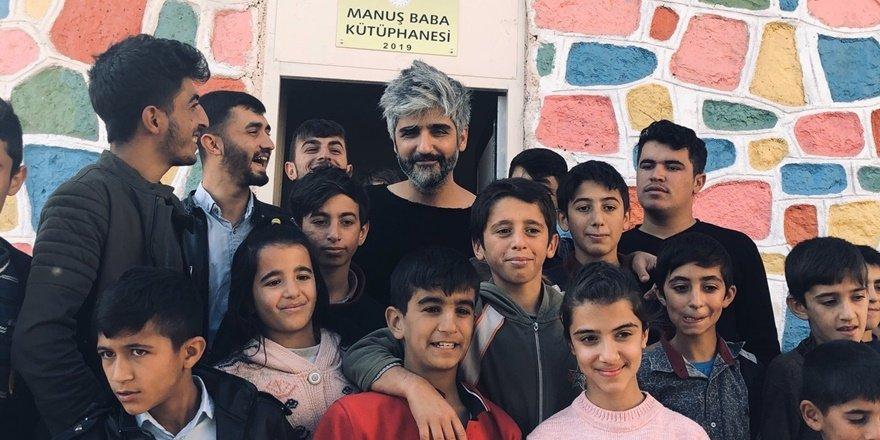 Manuş Baba'dan Diyarbakır'da köy okuluna ziyaret