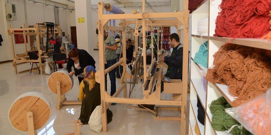 Büyükşehir'den ipek dokumacılığı kurusu