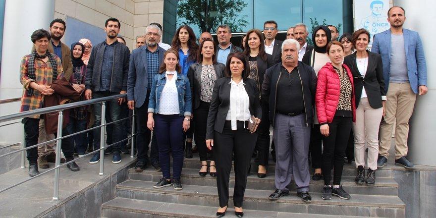Bağlar Belediyesi'nde, HDP'li 6 meclis üyesinin yerine memurlar atandı