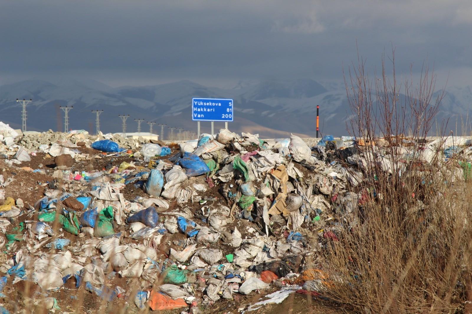 Yüksekova'daki kuş cenneti çöplüğe döndü!