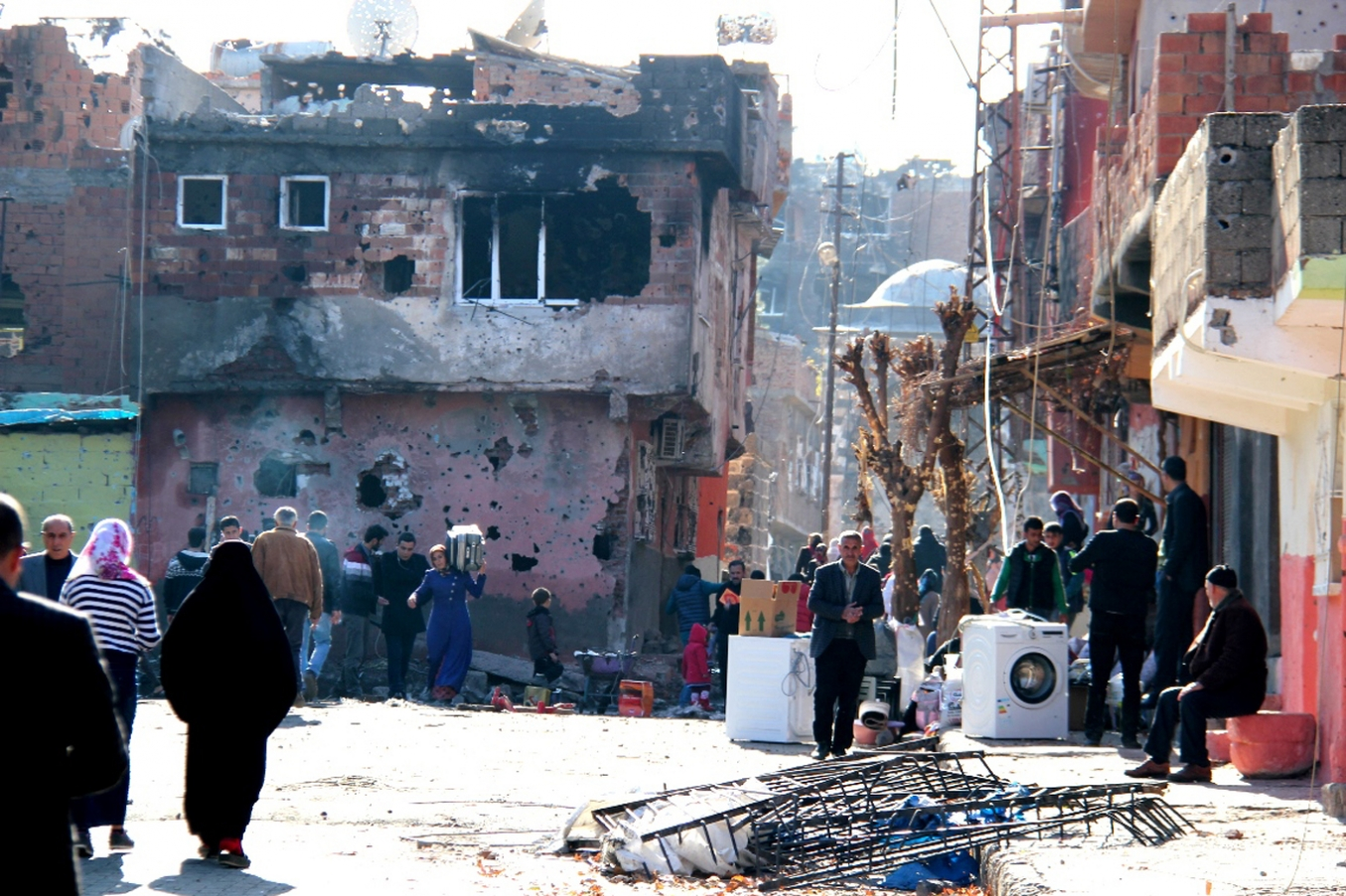 Hatun: Sur çatışmalar sırasında değil, sonrasında yıkıldı
