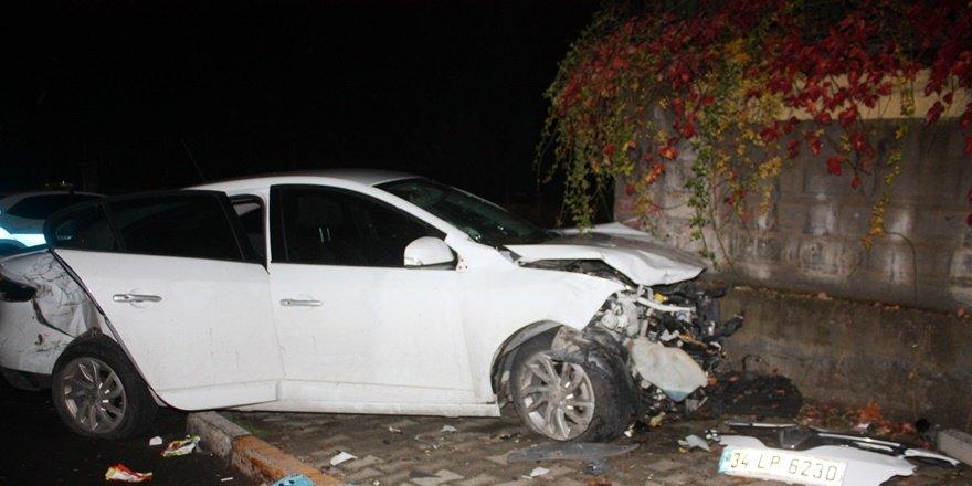VİDEO - Diyarbakır'da feci kaza: 4 yaralı