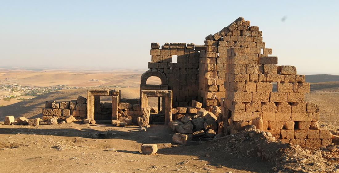 Üç bin yıllık tarihi Zerzevan kalesinde yapılaşma iddiası!
