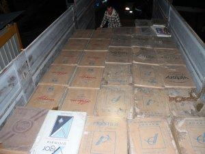 Van'da bir kamyon kaçak sigara ele geçirildi