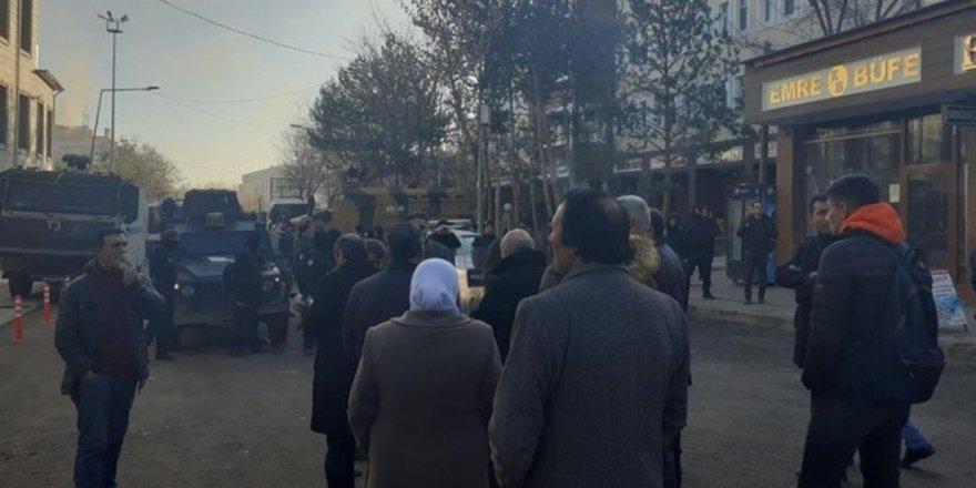 HDP'li 3 belediye eşbakanı daha görevden alındı