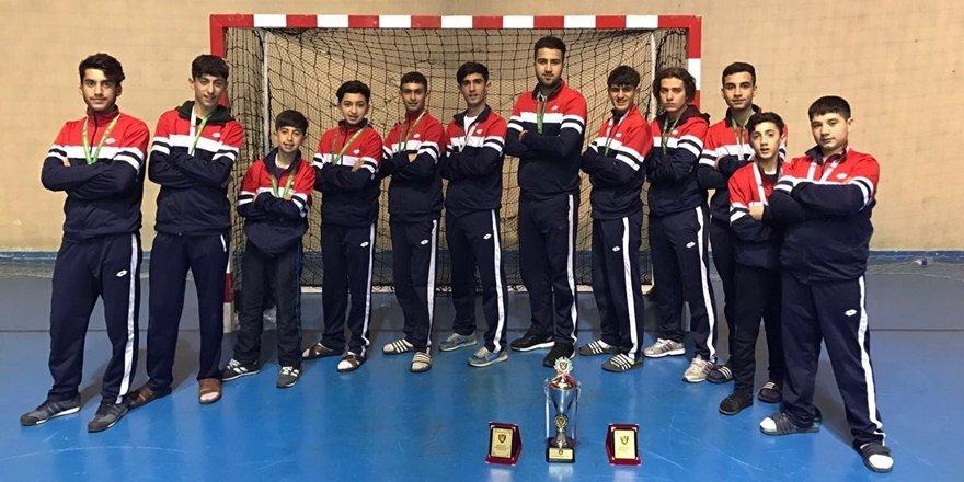 Diyarbakır Peyasspor hokeyde üçüncü oldu