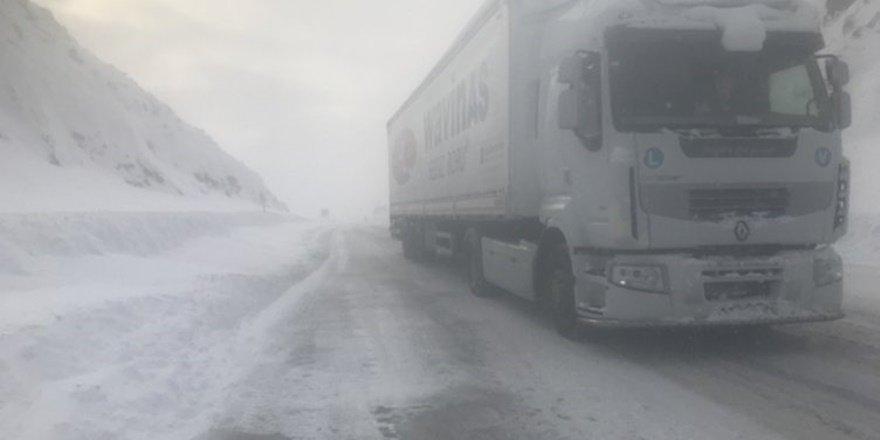 Bölge illerinde sis ve buzlanma uyarısı