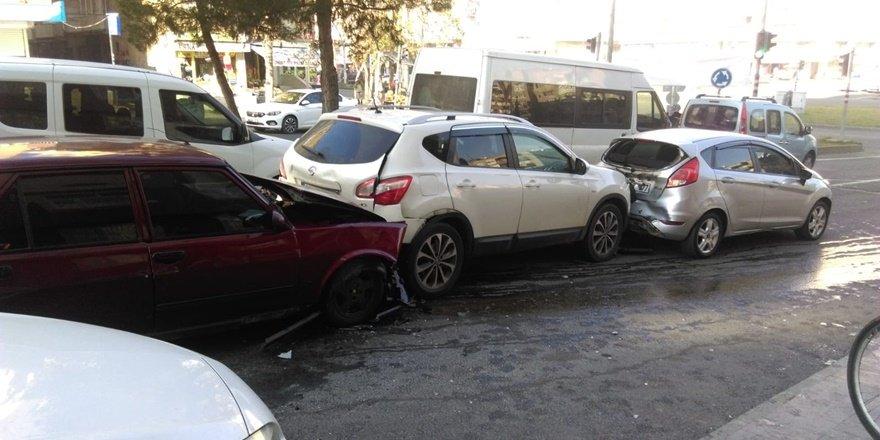Yenişehir'de zincirleme kaza