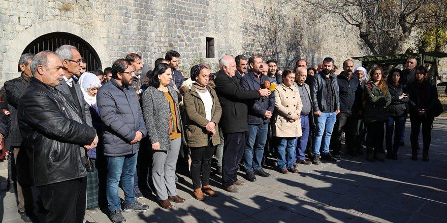 Sur'a kayyum atanması protesto edildi
