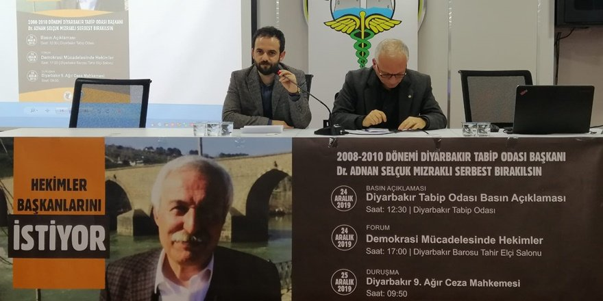 """Diyarbakır'da """"Demokrasi Mücadelesinde Hekimler"""" forumu yapıldı"""