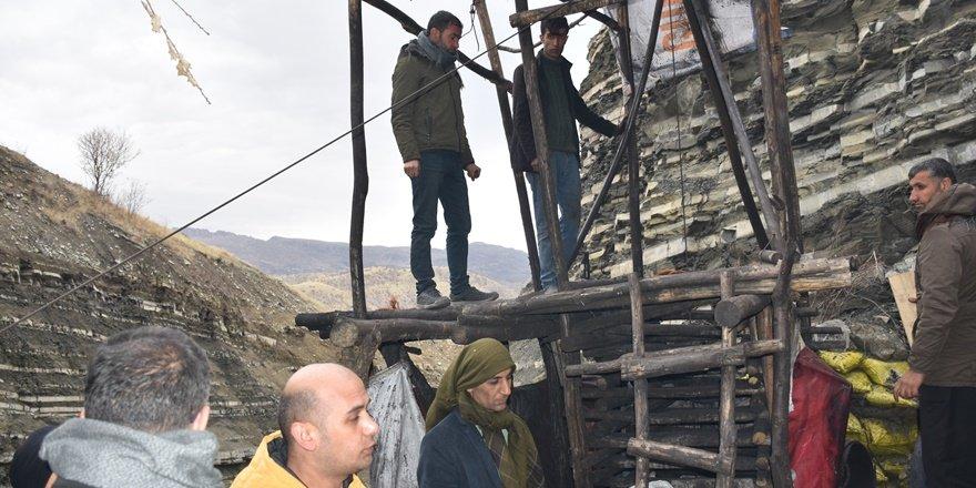 Şırnak'ta göçük altında işçinin kurtarılması çalışmaları sürüyor