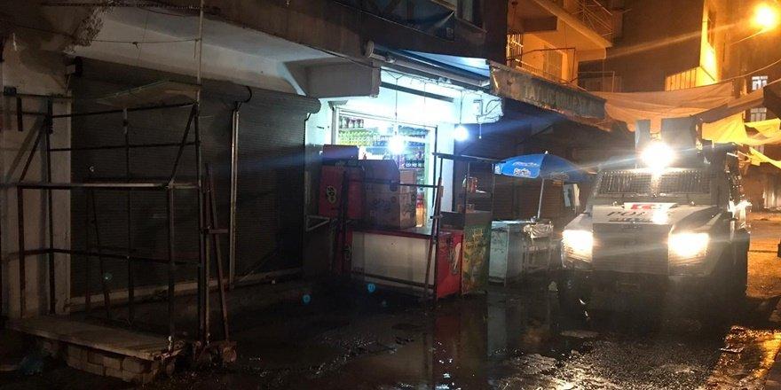 VİDEO - Maskeli magandalar yoldan geçen aracı kurşun yağmuruna tuttu