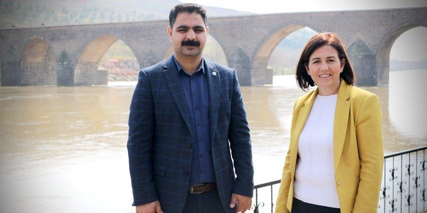 Sur Belediyesi eşbaşkanları Erzurum'a sevk edildi