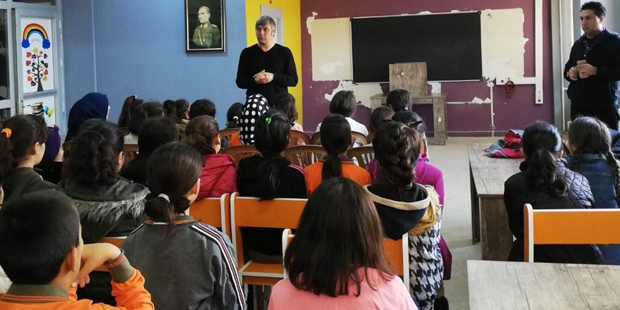 Yazar Metin Aydın Kızıltepe İMKB'de öğrencilerle buluştu
