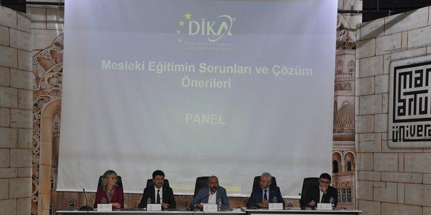 """Mardin'de """"Mesleki Teknik Eğitimin Sorunları ve Çözüm Önerileri"""" paneli"""
