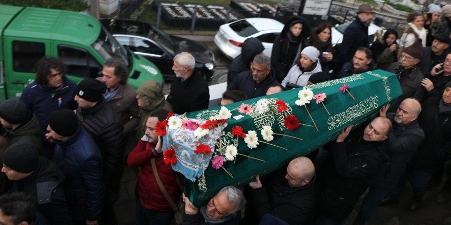 İHD Eş Genel Başkanı Keskin'in annesi toprağa verildi