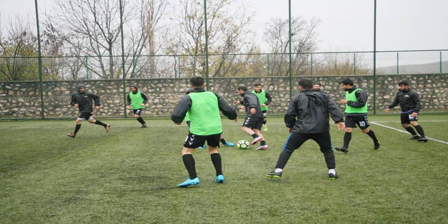 Silvan Aslanspor 13 futbolcu transfer etti