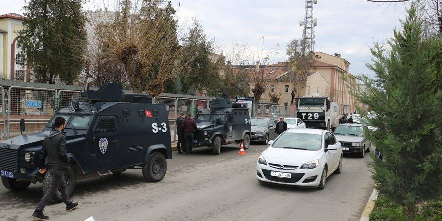 VİDEO - Diyarbakır merkezli 10 ilde kaçak bahis operasyonu: 32 kişi tutuklama