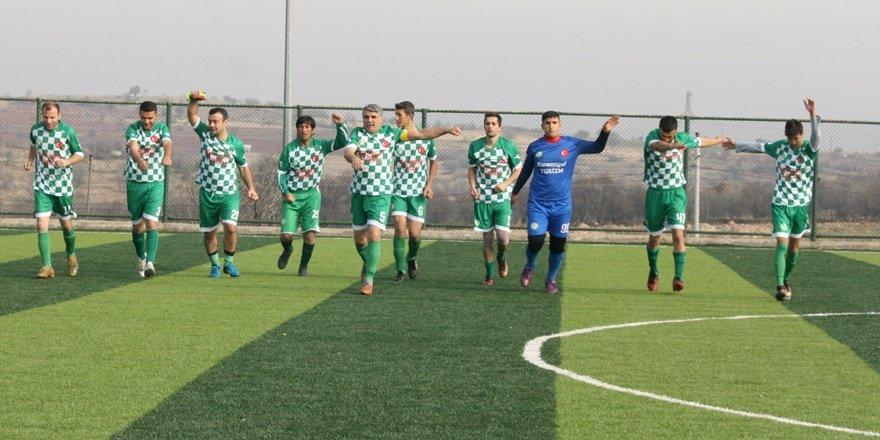 Mardin'de dede torun aynı takımda top koşturuyor