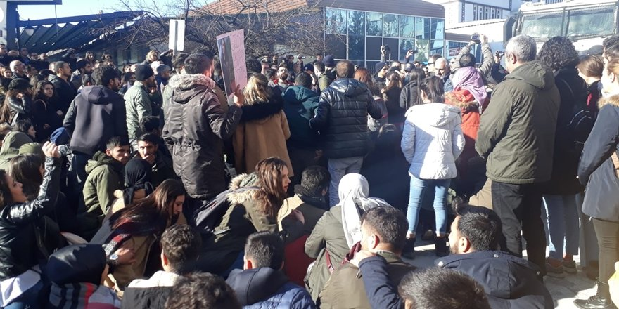 Dersim'de öğrencilerin Gülistan Doku eylemine biber gazlı müdahale