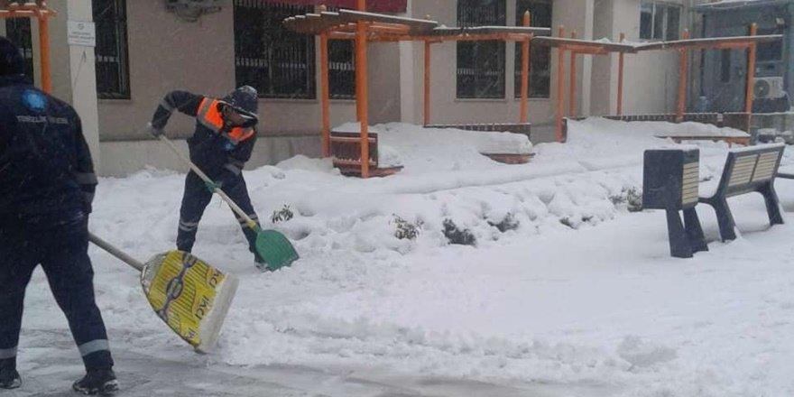 Hakkari'de kar temizliği