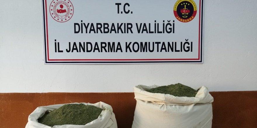 VİDEO - Diyarbakır Lice kırsalında iki çuval dolusu esrar yakalandı
