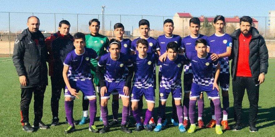 Bağlar Belediyespor'un gençleri futbolda şampiyon