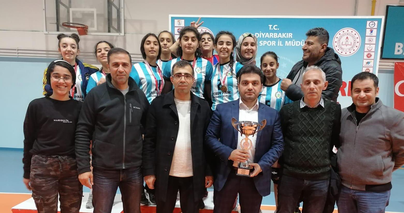 Diyarbakır'da filenin sultanları şampiyon oldu!