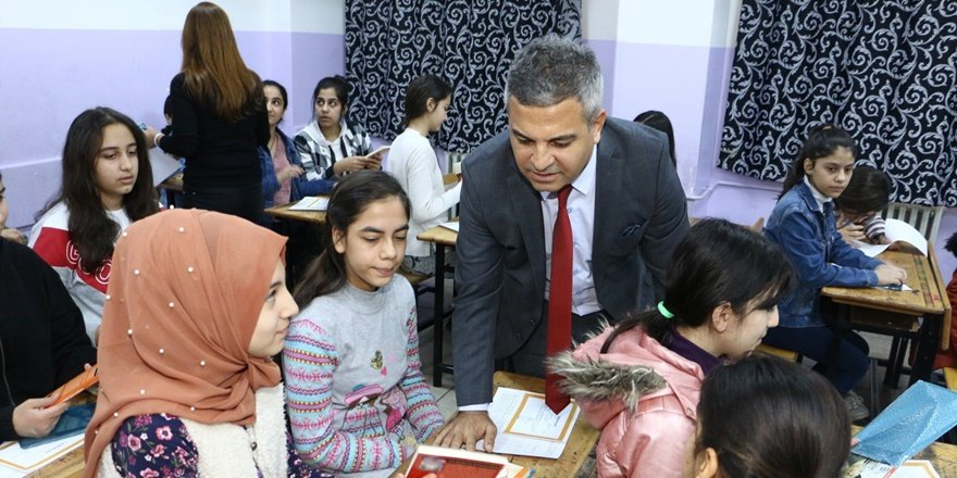 Diyarbakır'da 500 bin öğrenci karne aldı
