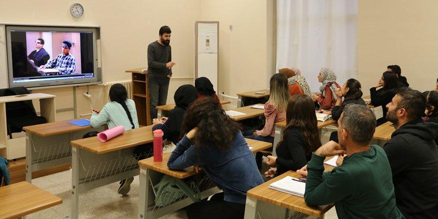 Siirt'te ders saati ve akademisyenleri öğrenciler belirliyor
