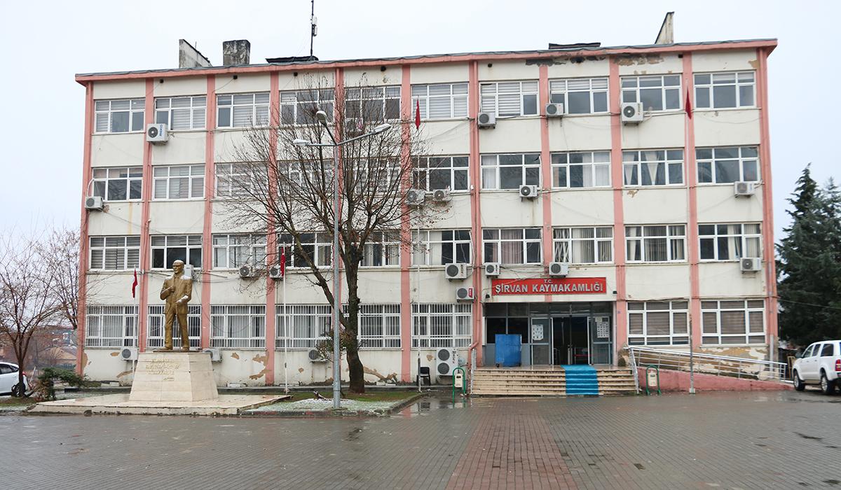 Siirt'te soba ızgarasıyla şiddet uyguladığı iddia edilen öğretmen açığa alındı