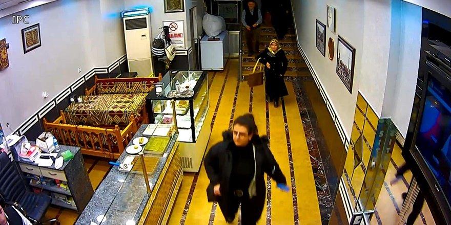 VİDEO - Diyarbakır'da deprem sırasından yaşanan panik anları kameralarda