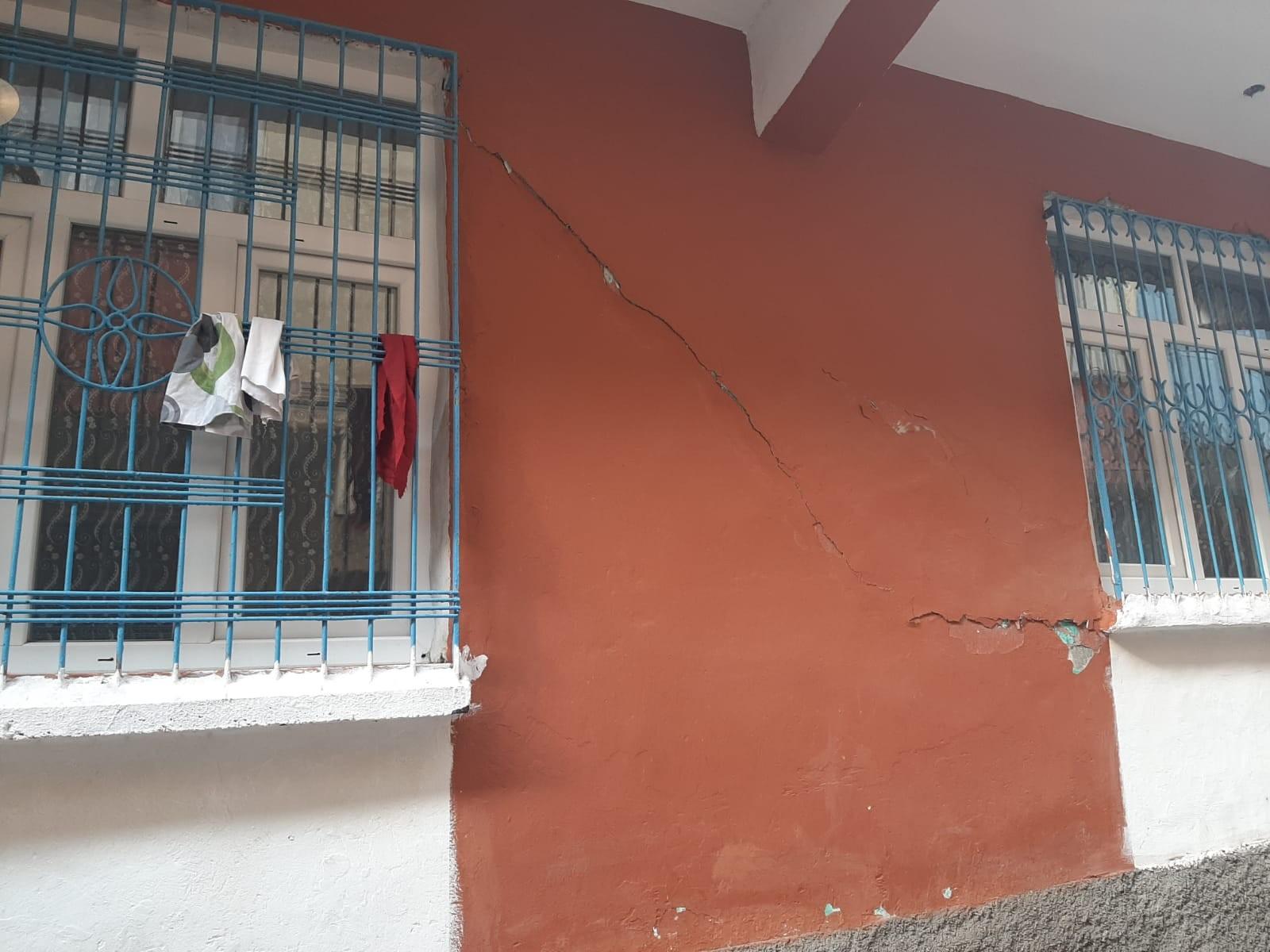 Bağlar'da 30'a yakın yapıda hasar tespit edildi, bir bina boşaltıldı